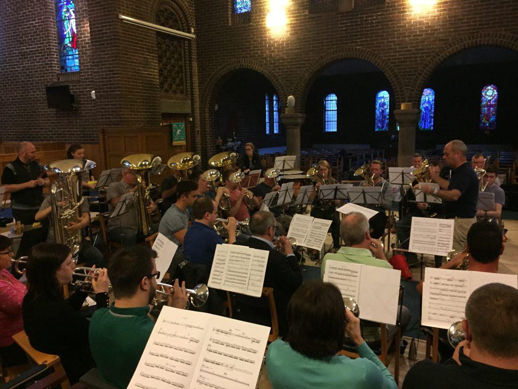 (C) Th. Schneider | Abendprobe in der King's Park Church Glasgow