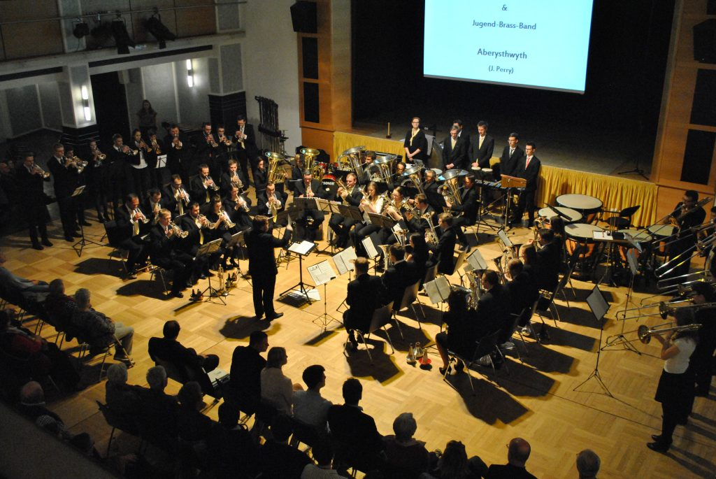 (C) VSB e.V. | Jugend-Brass-Band und die Brass Band Sachsen spielen eine gemeinsame Zugabe